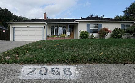 Дом Стива Джобса в городе Лос-Альтос. Фото AP Photo/Jeff Chiu