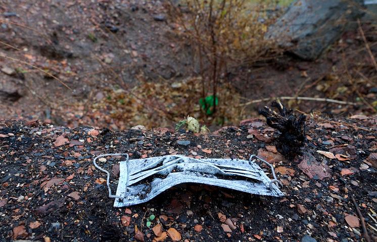 The site of mass graves near the Ukrainian city of Donetsk
