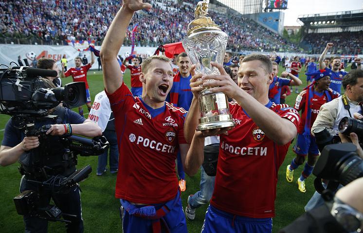 Футболисты ЦСКА Василий и Алексей Березуцкие