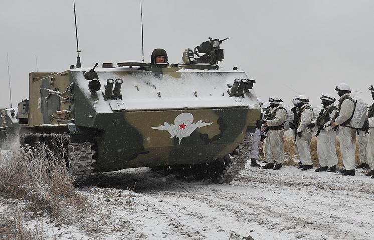 """Войсковые испытания новых бронетранспортеров БТР-МД """"Ракушка"""" в Туле"""