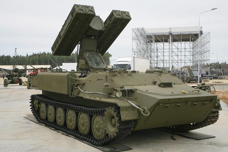 """Зенитный ракетный комплекс """"Стрела-10"""" на форуме """"Армия-2015"""""""