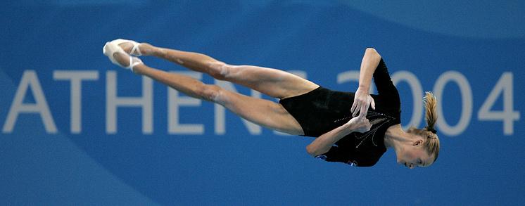Выступление на гимнастическом бревне на Олимпийских играх в Афинах, 2004 год