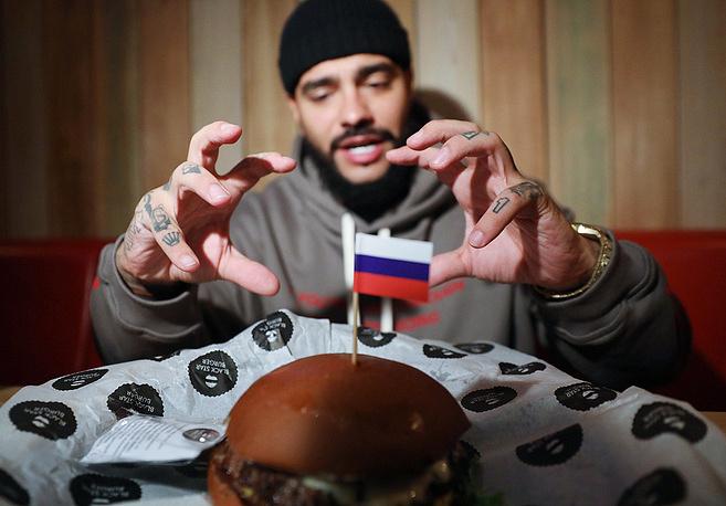 "Тимати и ""президентский"" бургер"