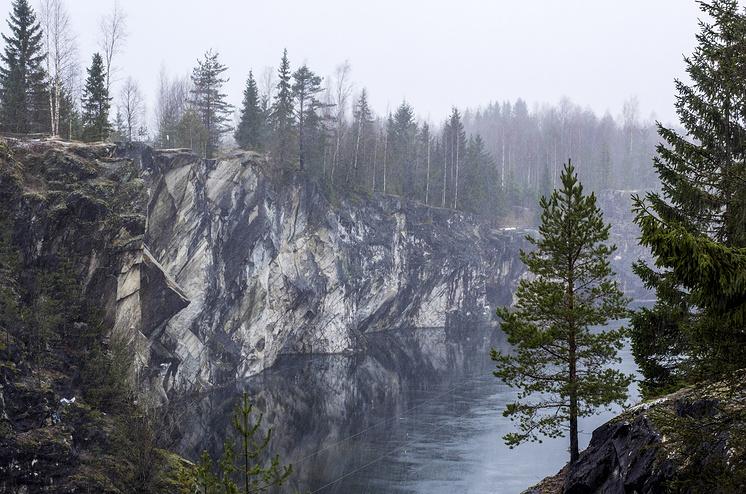 Мраморный каньон Рускеала в Карелии