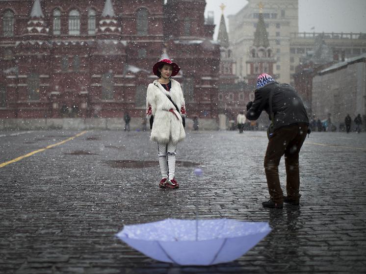 Китайские туристы на Красной площади