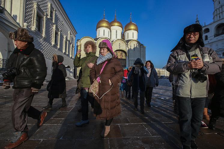 Туристы из Китая в Кремле