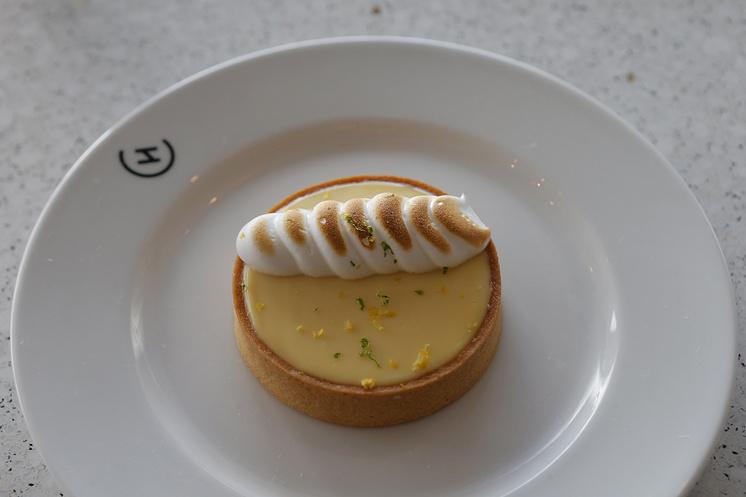 Лимонный пирог-меренга в ресторане Алена Дюкасса